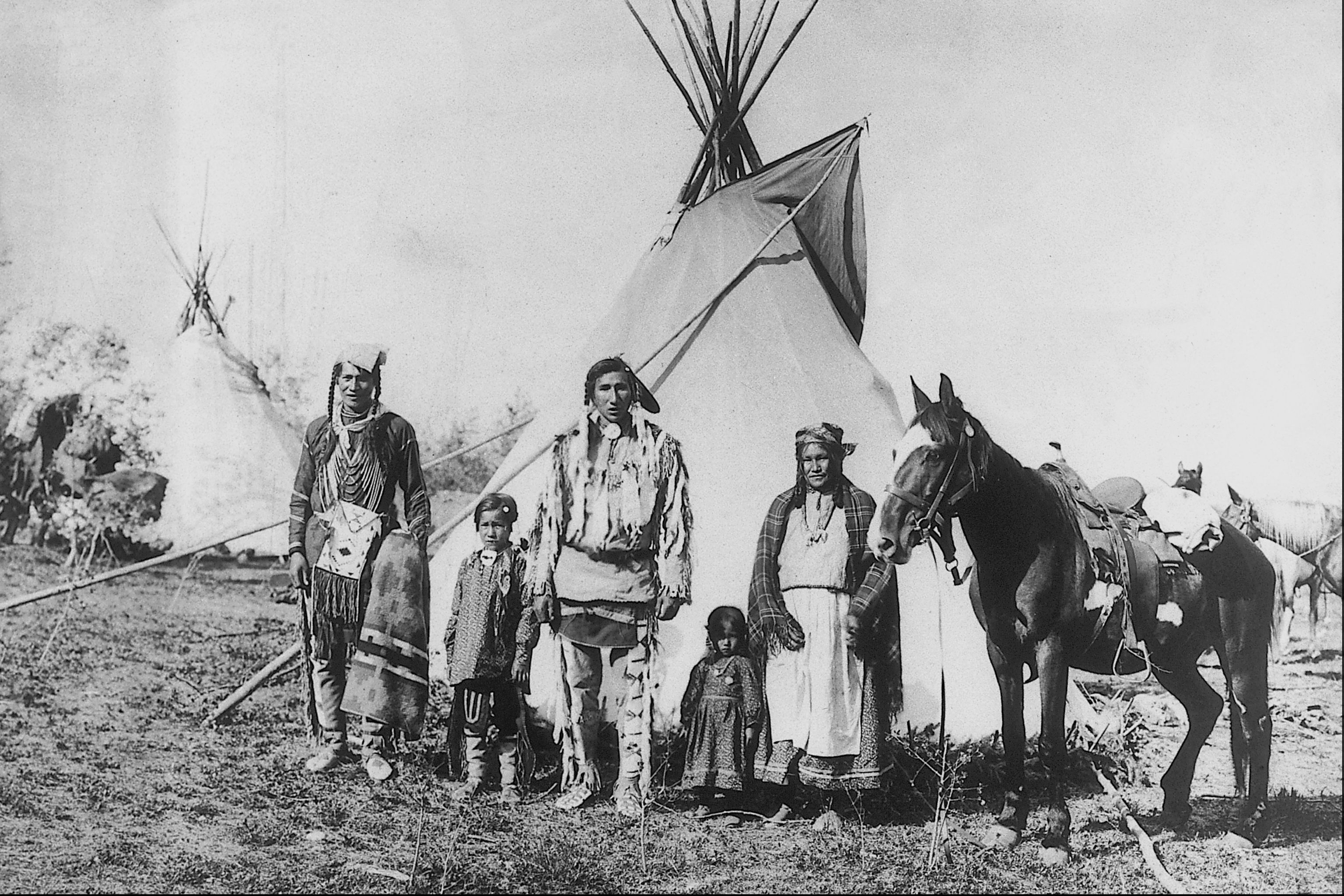 "a history of the dakota nation the great sioux nation Amid the controversy surrounding the construction of the dakota access pipeline (dapl), the standing rock sioux tribe (srst) has made frequent mention of ""treaty lands"" by treaty lands."