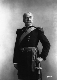 Нельсон Майлз, на фотографии в звании генерала [Нажмите для увеличения]